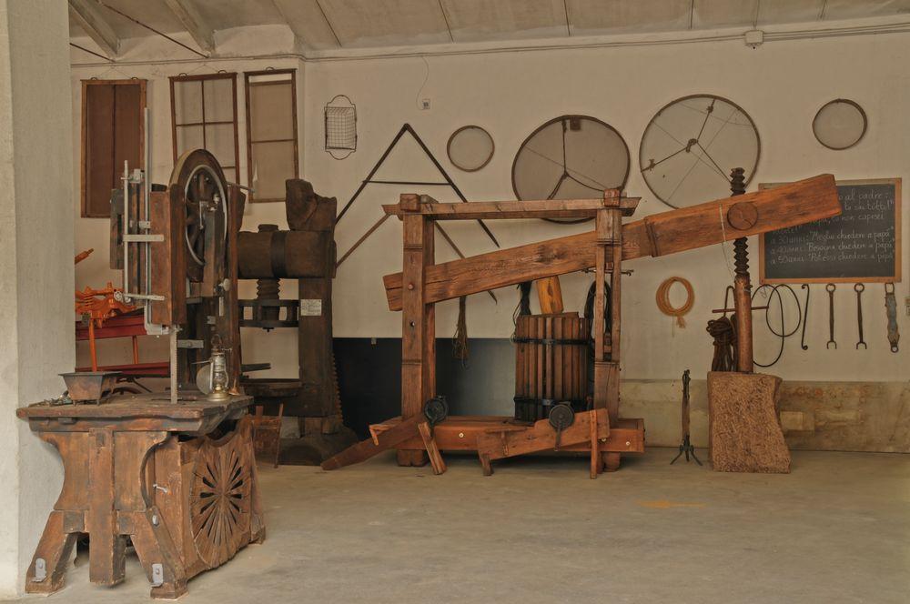 Museo della civilt contadina carlo etenli grancona - Olio per mobili antichi ...