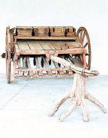 Le prime seminatrici per frumento, in legno.