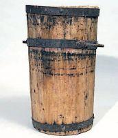 Staro o staio da 50 litri in legno.