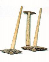 Piccozze (pichi) per l'escavazione della pietra.